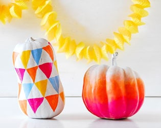 10 COLORFUL WAYS TO DEOCRATE A PUMPKIN