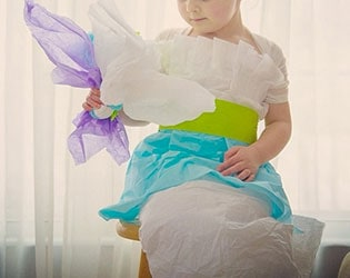 AMAZING PAPER DRESSES MADE BY MOM AND 4 YEAR OLD