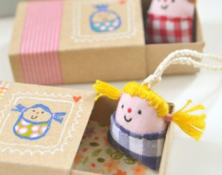 MAKE TINY DOLLS IN LITTLE SLEEPING BOXES