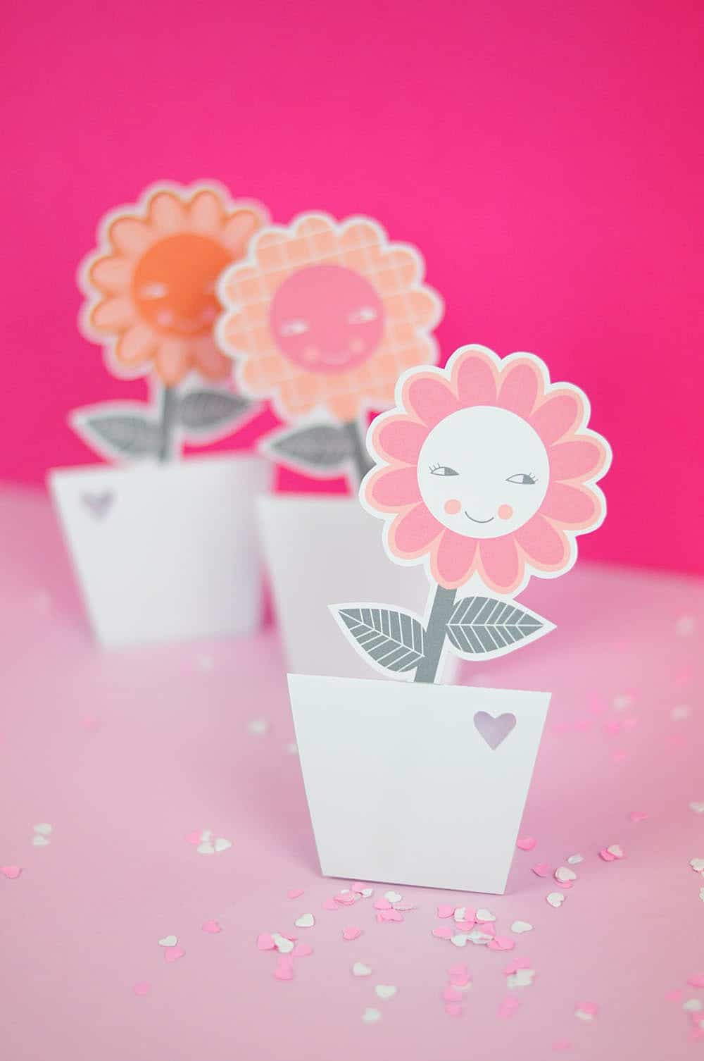 Hello Wonderful & PAPER FLOWER VASES WITH FREE PRINTABLE - Hello Wonderful