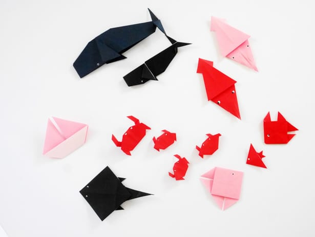 From a few sheets of paper, you can create your own undersea adventure! Full tutorial for this origami sea life craft on hello, Wonderful.
