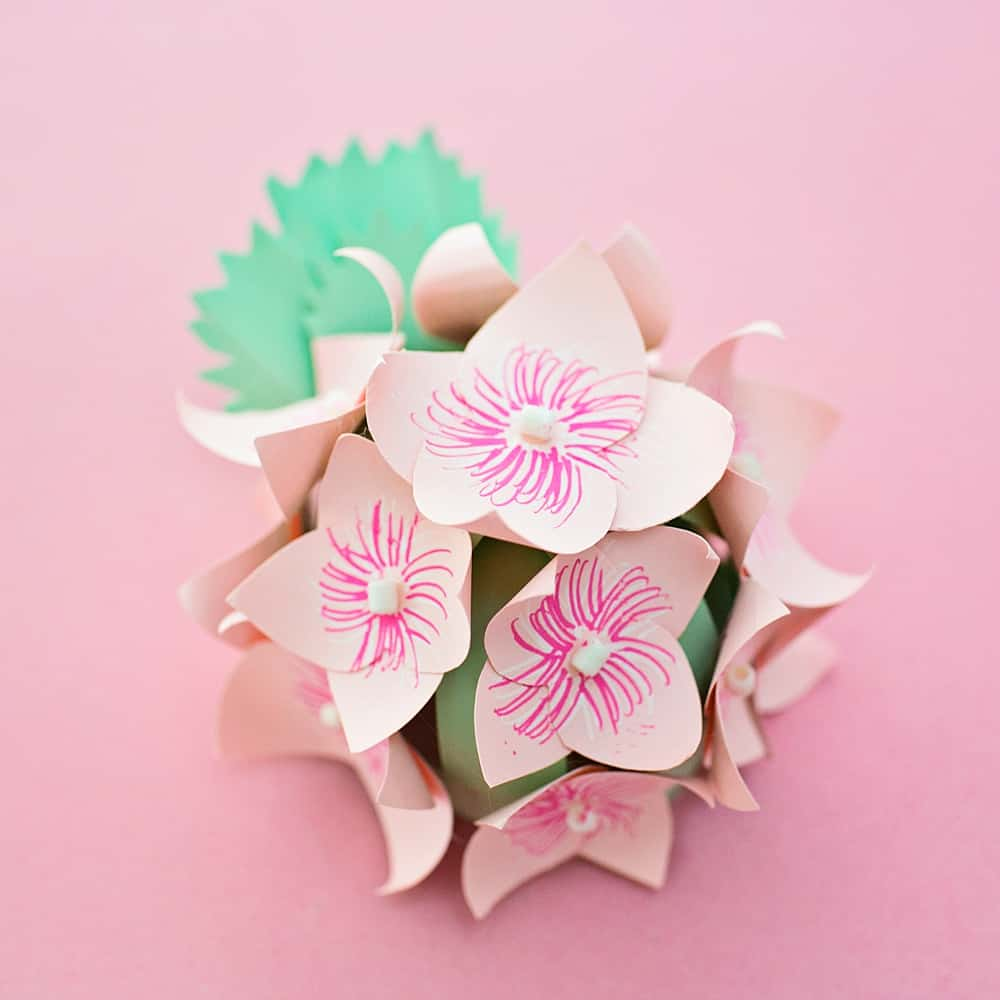 Diy paper hydrangea flowers hello wonderful hydrangea flowers are one of my favorite blooms and were actually my wedding flowers so im thrilled to show you this easy diy paper hydrangea that are easy mightylinksfo