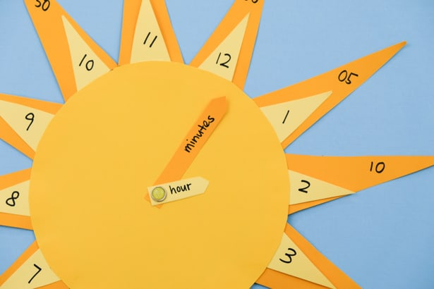 Teach your little ones how to tell time with this cute DIY sun clock craft and learning tool!