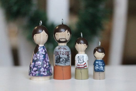 wooden peg family portrait idea