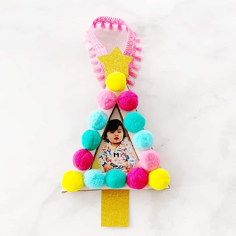 The Pom Pom Ornament Craft That Never Ends: POM POM TREE PHOTO ORNAMENT CRAFT