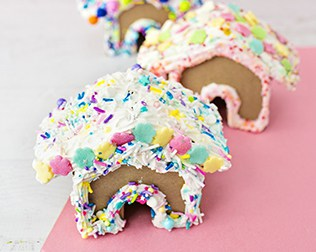 WHIPPED GLUE DECODEN CARDBOARD GINGERBREAD HOUSE CRAFT