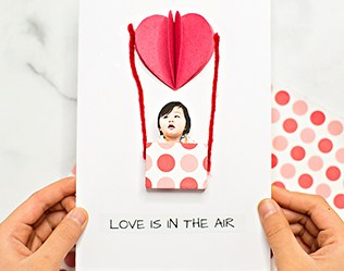 LOVE IS IN THE AIR BALLOON VALENTINE CARD