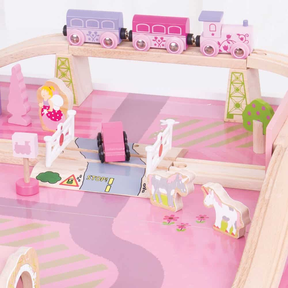 THIS UNICORN TRAIN TABLE IS MAGICAL