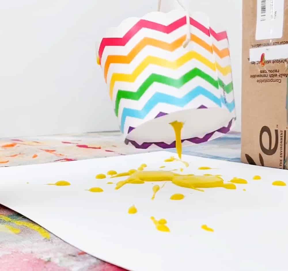 Pendulum Painting paint splashing