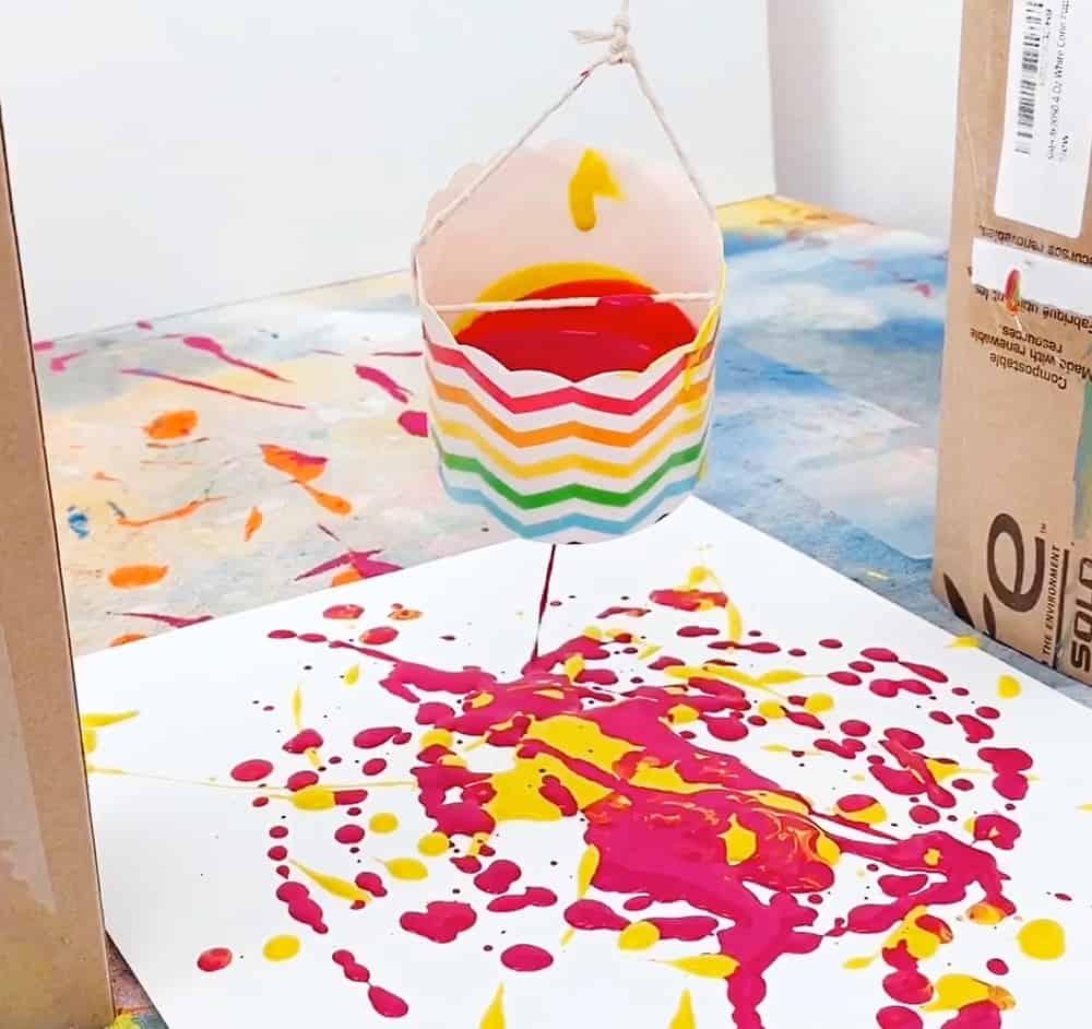 Pendulum Painting with paint splashing