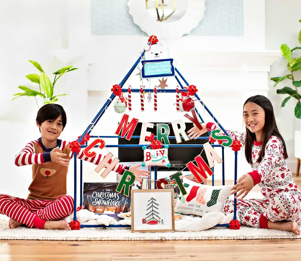 Build a holiday Christmas Fort with the Ultimate Fort Builder