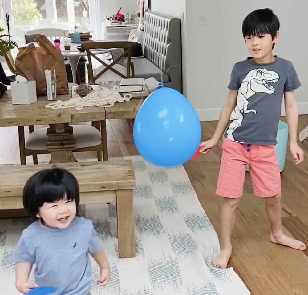 ballon tennis game for kids. Great indoor activity