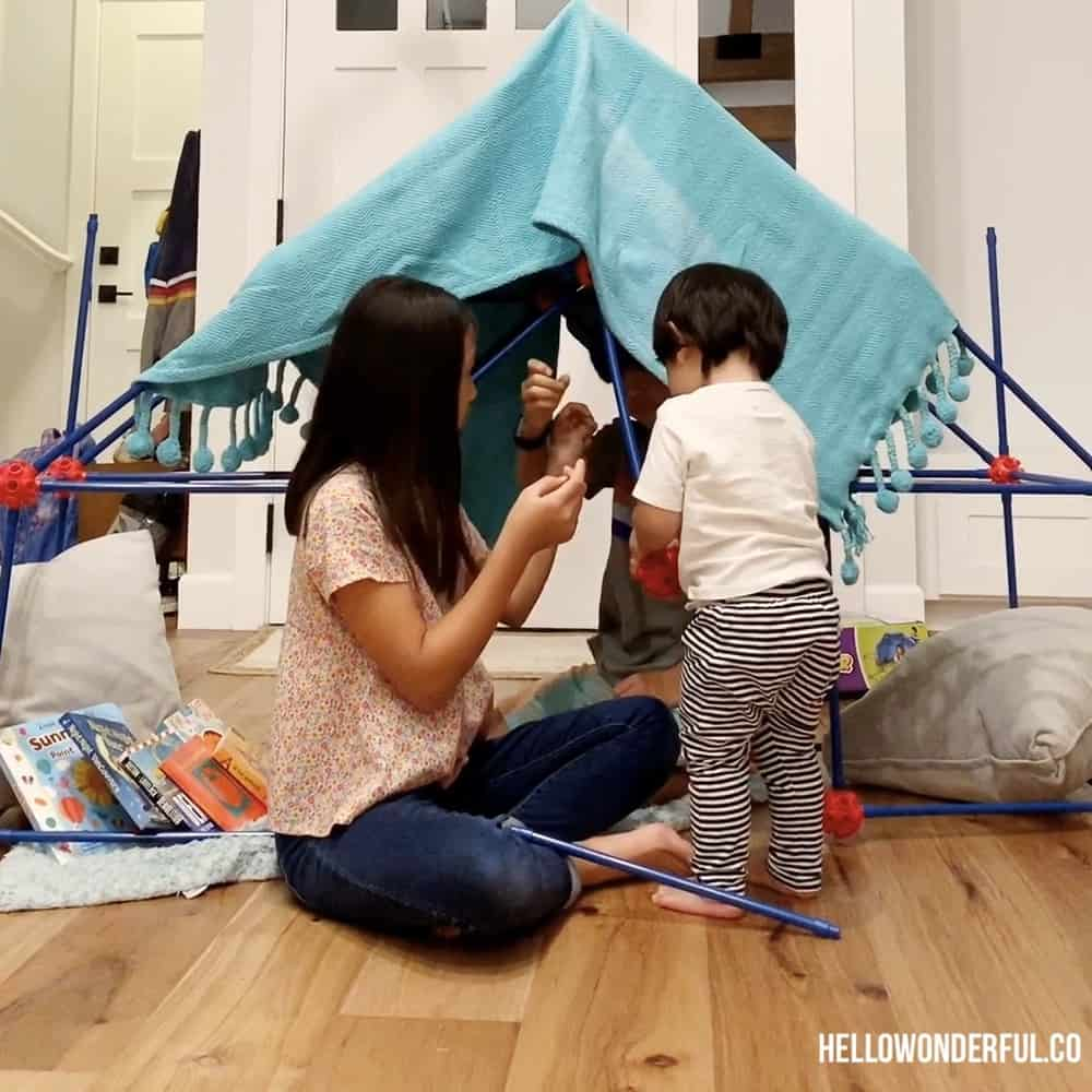 Book Nook Fort. Easy Indoor Activities for Kids.