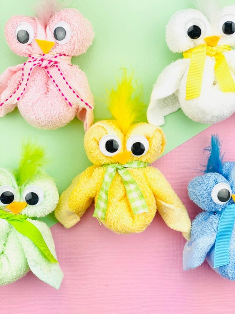 How to make a towel chick. Cute and easy Easter craft for kids.