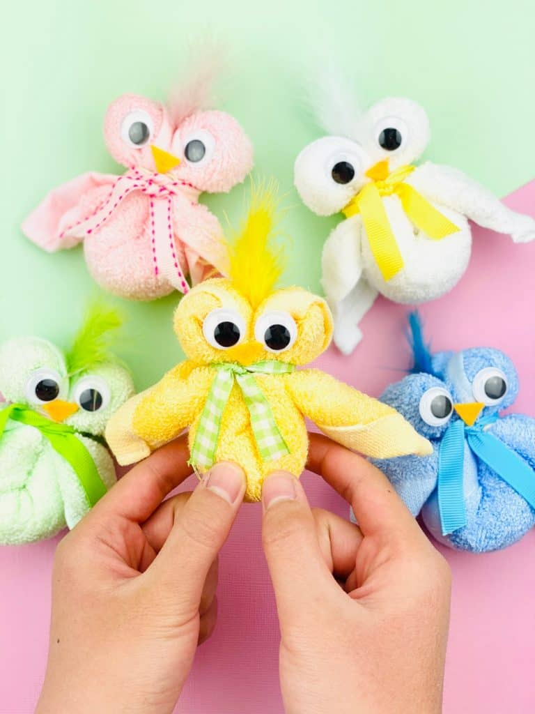 How to make a towel chick for Easter. Cute craft for kids.