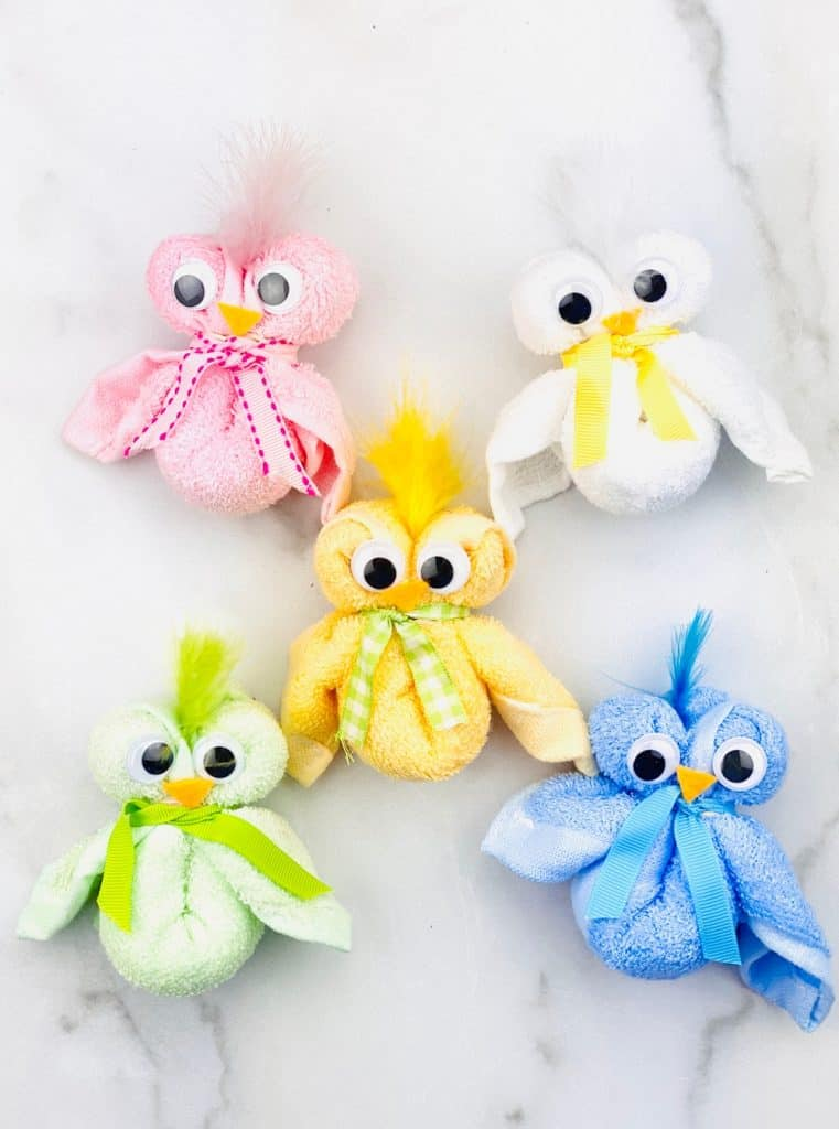 How to make a towel chick. Cute Easter craft for kids.