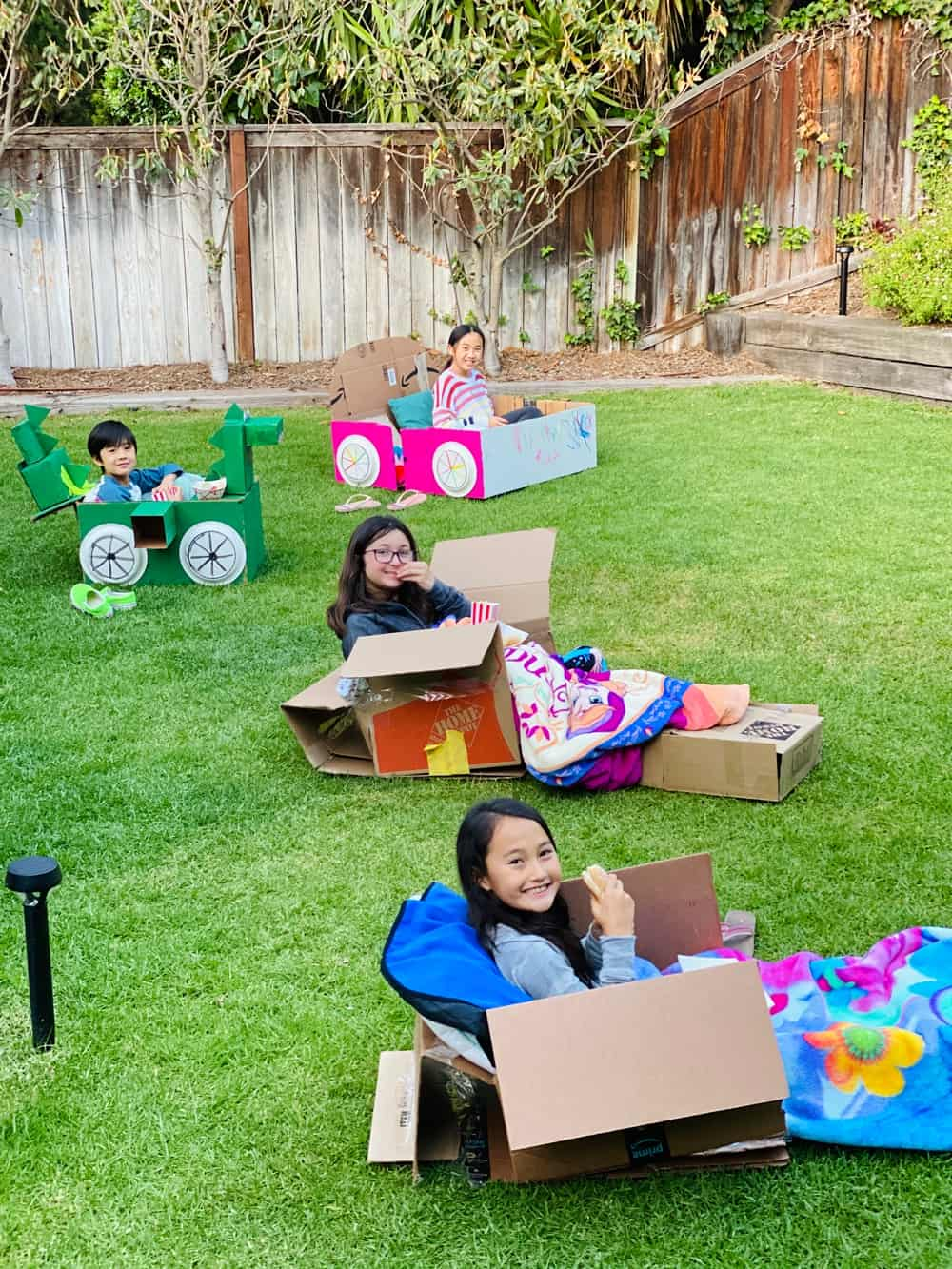 how to set up an outdoor movie night for kids
