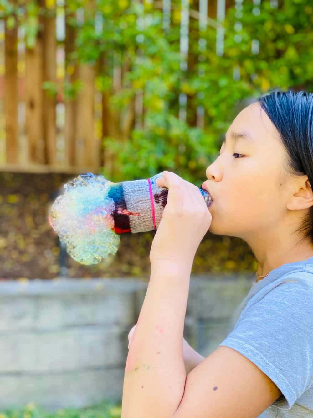 how to make rainbow bubbles