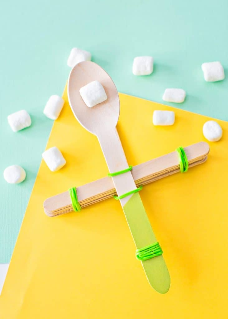 how to build a spoon catapult with popsicle sticks and catapult marshmallows