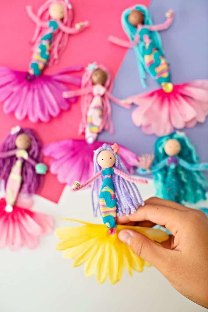 diy mermaid dolls made of pipe cleaners