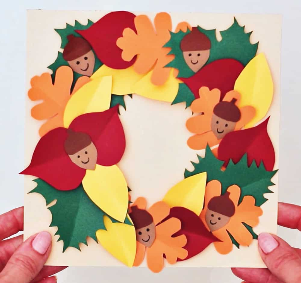 Paper Leaf Wreath Fall Thanksgiving craft for kids