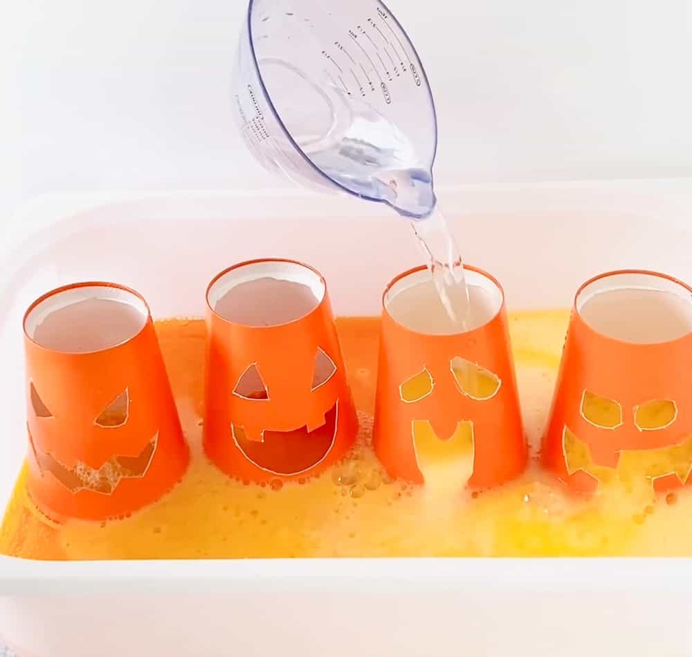 Baking Soda Vinegar Pumpkin Cup Experiment. Great way to talk about emotions.