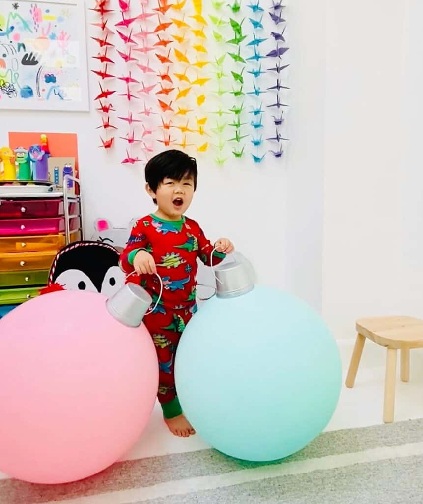 Giant DIY Balloon Ornaments