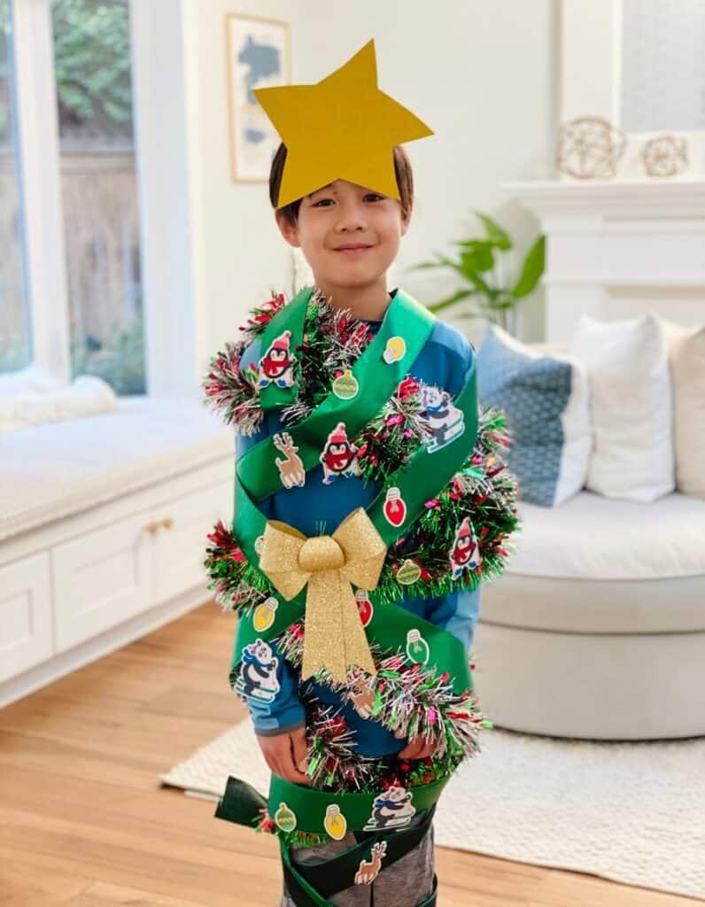 wrap the christmas tree game