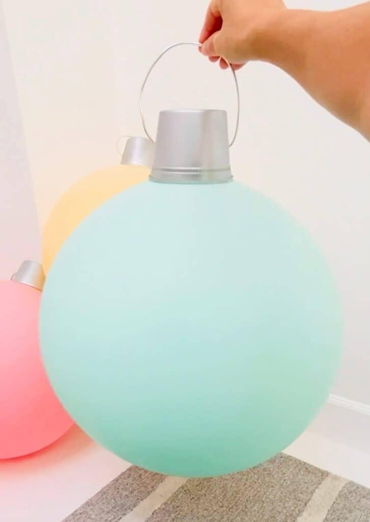balloon giant diy ornaments