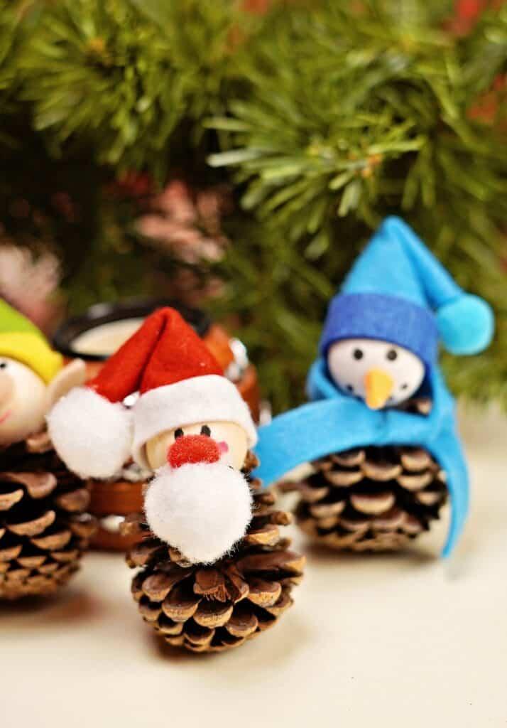 santa pinecone christmas craft