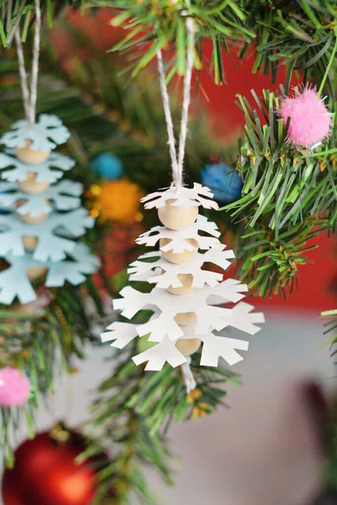 Paper Snowflake Tree Ornaments