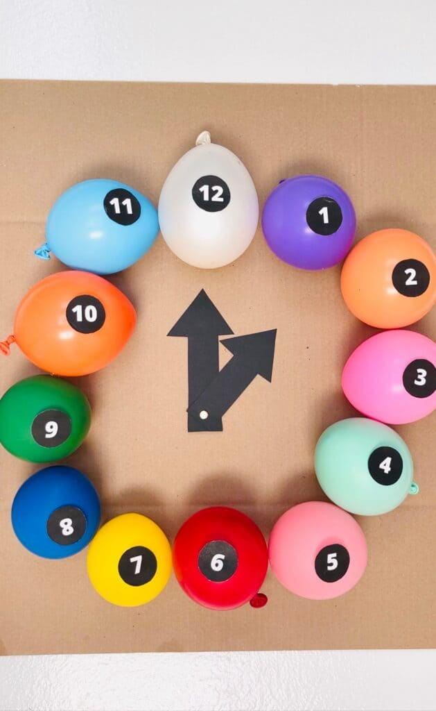 NEW YEAR BALLOON CLOCK. New Year's eve countdown for kids