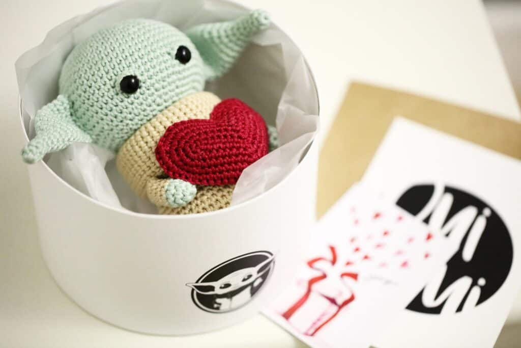 baby yoda crochet heart