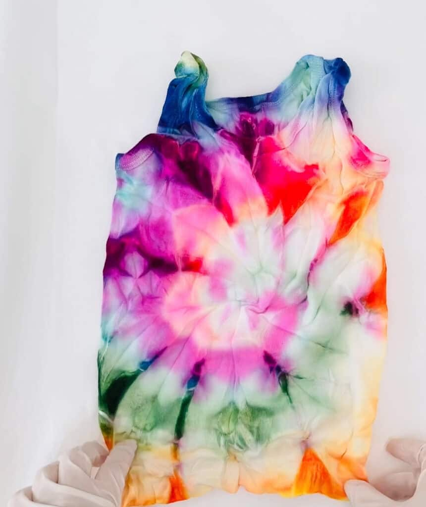 tie dye shirts with markers
